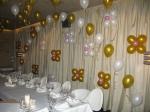 """50. Оформление ресторана """"Сны тропической ракушки"""" ко дню рождения. Цепочка(гелий), цветы(воздух)."""