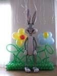 18. Заяц на поляне. Латекс,фольга,гелий,воздух-1400р.